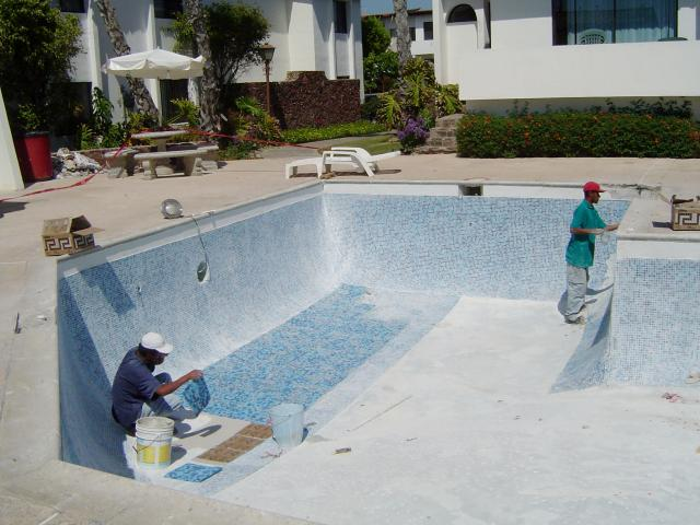 Albercas de concreto for Como construir una piscina en concreto